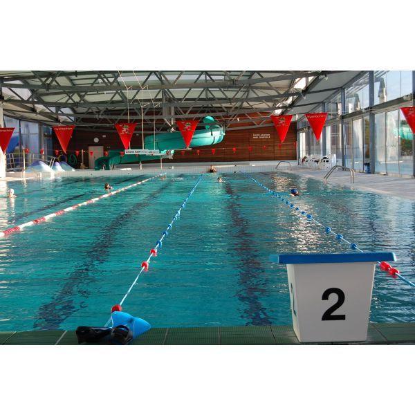 la piscine Olympique et son toboggan