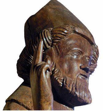 La statue reliquaire de Saint-Martin du XIVe siècle dans l'église de Marcolès retrouvée sous le maître-autel en 1667 (classée aux MH)