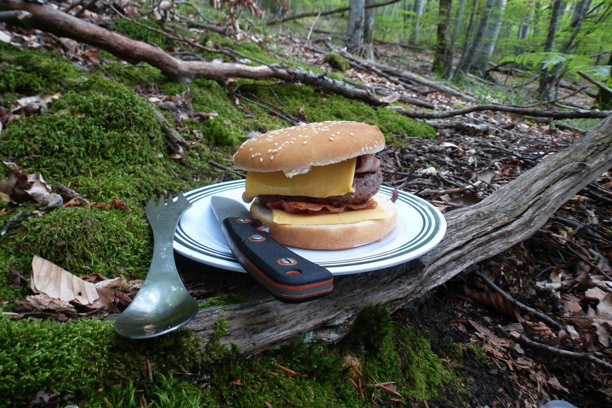 Hamburger en forêt