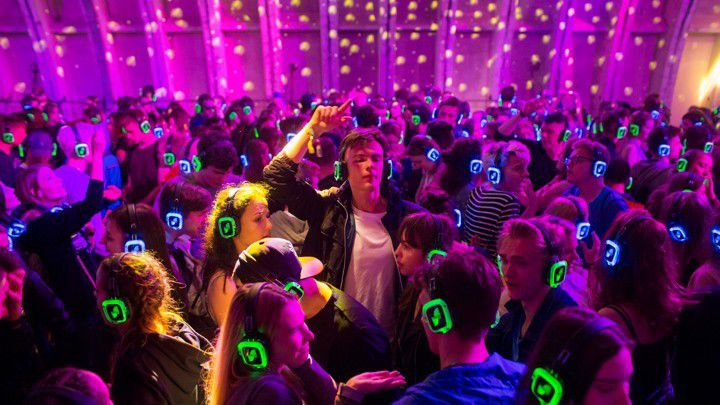 NORMES AUDITIVES : l'État échauffe l'oreille des festivals ?