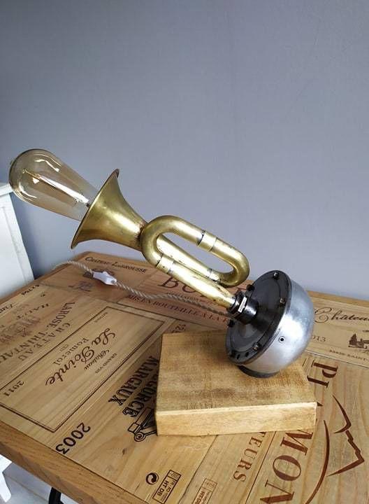 LAMPE AVERTISSEUR SONORE ( détournement d'objet )
