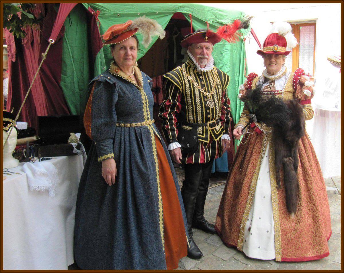 Dame Guillemette en compagnie de Magdeleine de Moleskine et de Louis de Torchenas, célèbres nobliaux de la région
