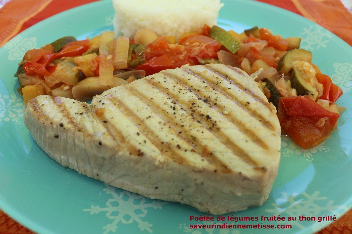 Poêlée de légumes fruitée au thon grillé