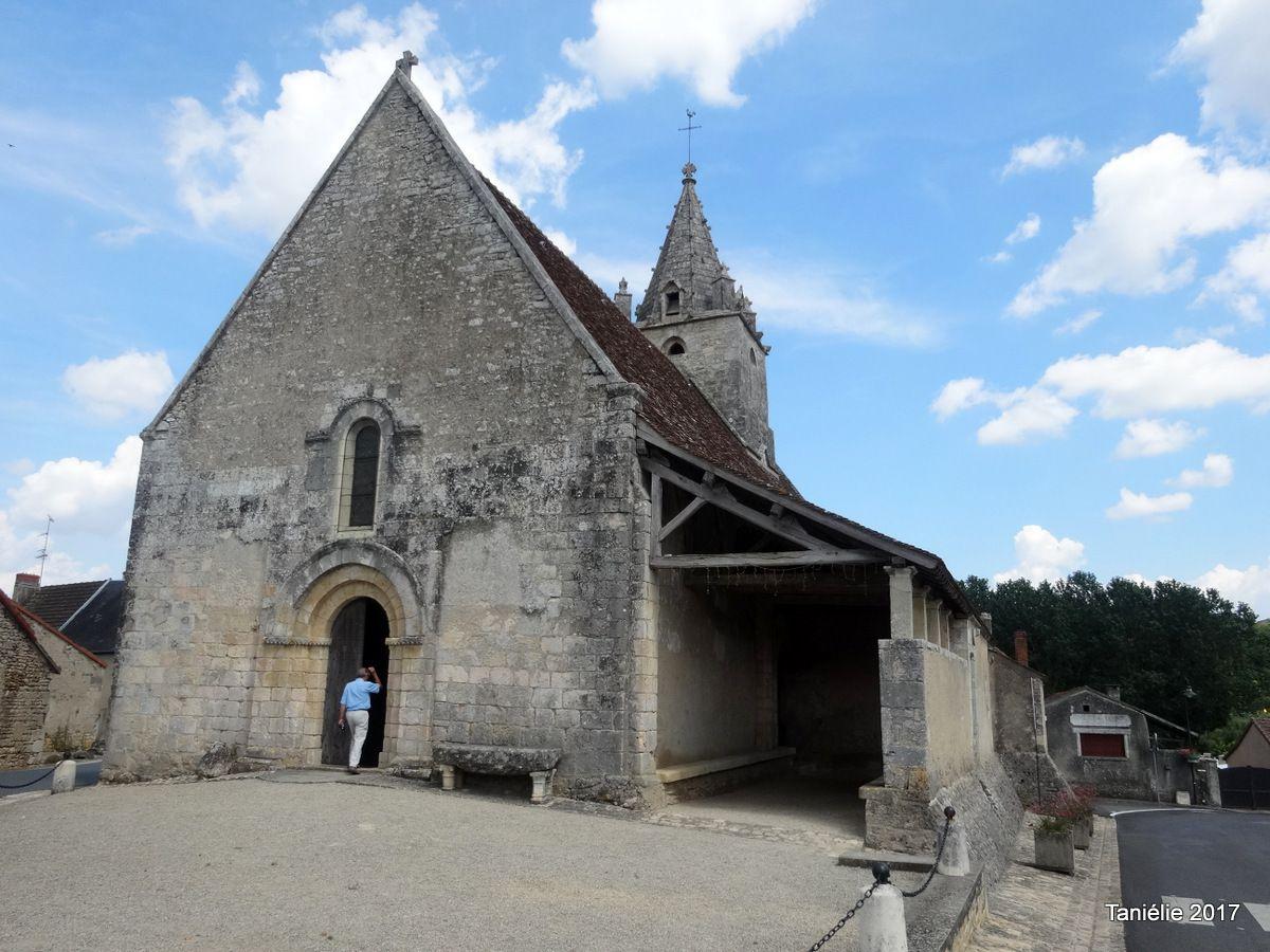 Eglise d'Antigny avec son caquetoire, Vienne Nouvelle Aquitaine