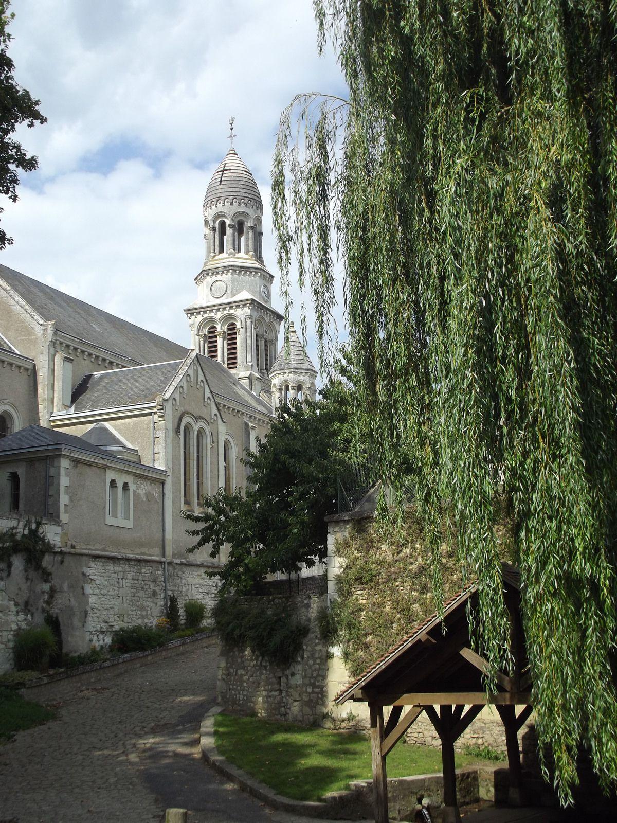Les Ormes Vienne l'église