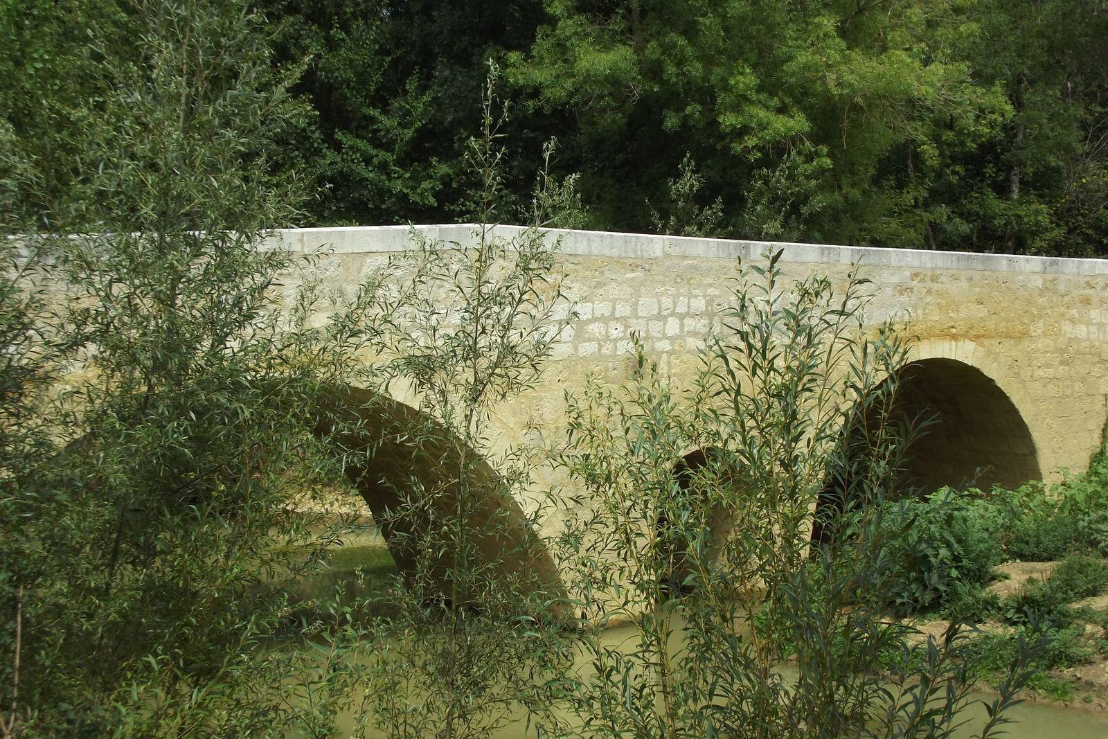 Le pont d'Artigue dans le Gers