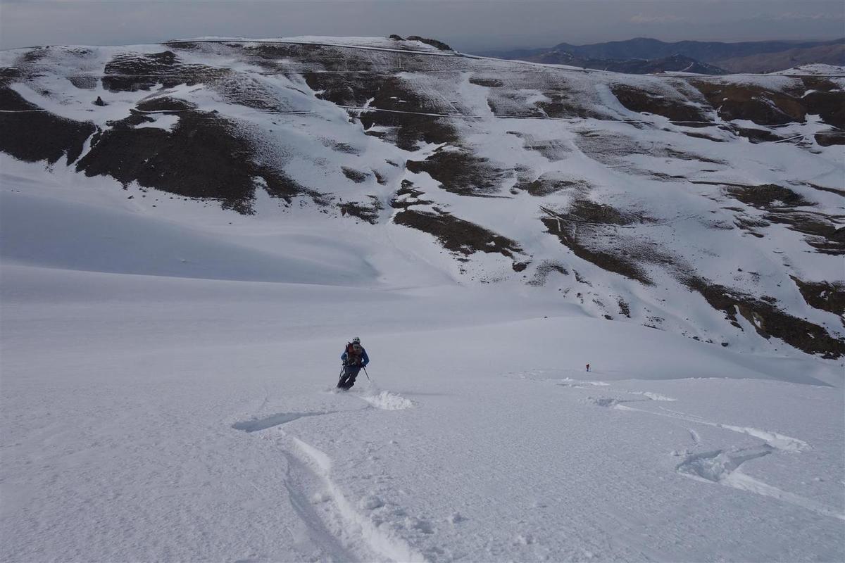 à la descente, de la bonne poudreuse en cerise sur la montagne