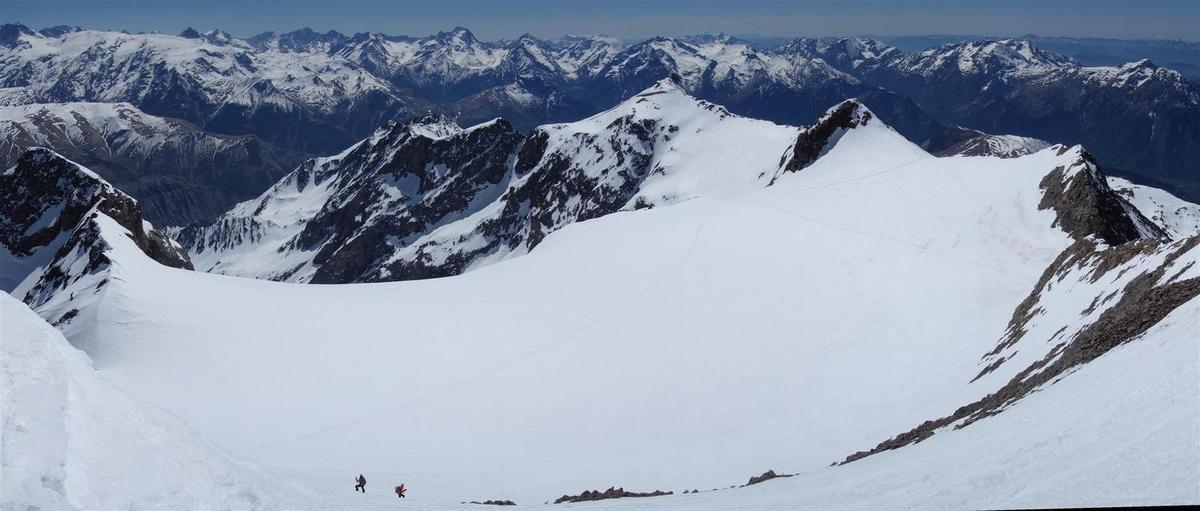 vues panoramiques du sommet vers le plateau supérieur du glacier du Grand Sablat