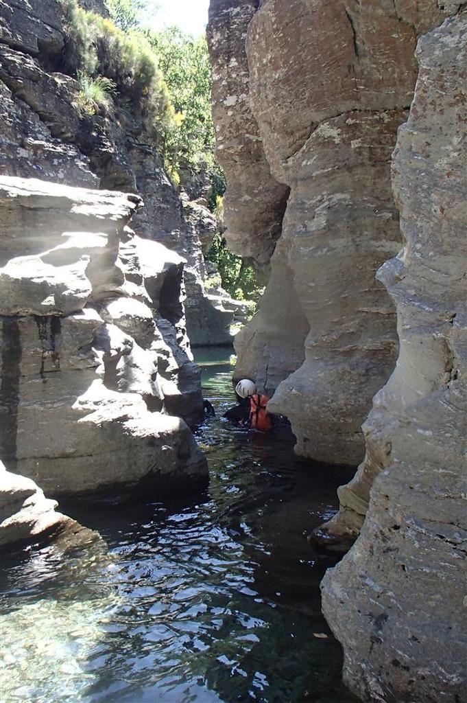 dans le canyon et ses très beaux encaissements de schiste