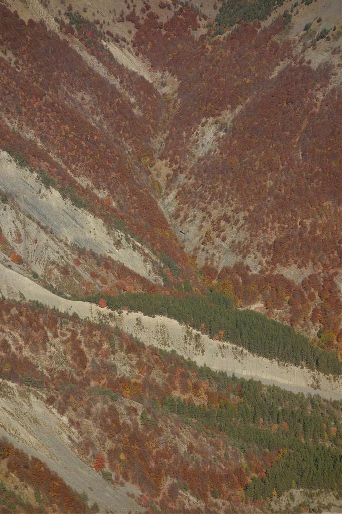du Tourtoureau, vues plongeantes vers les vallons enflammés du torrent de Val-Haut