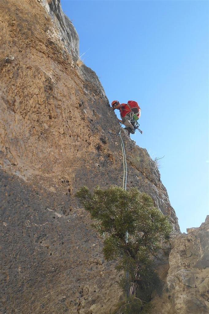 dans la première longueur de Pichenibule, sur rocher rouge