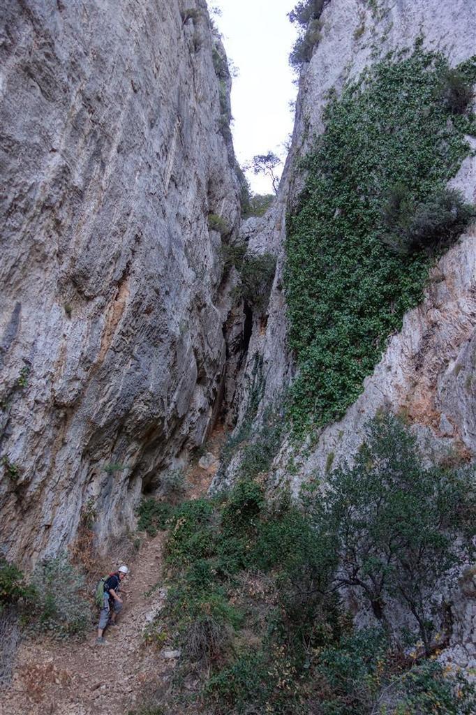 descente vers le Château du Diable par le canyon