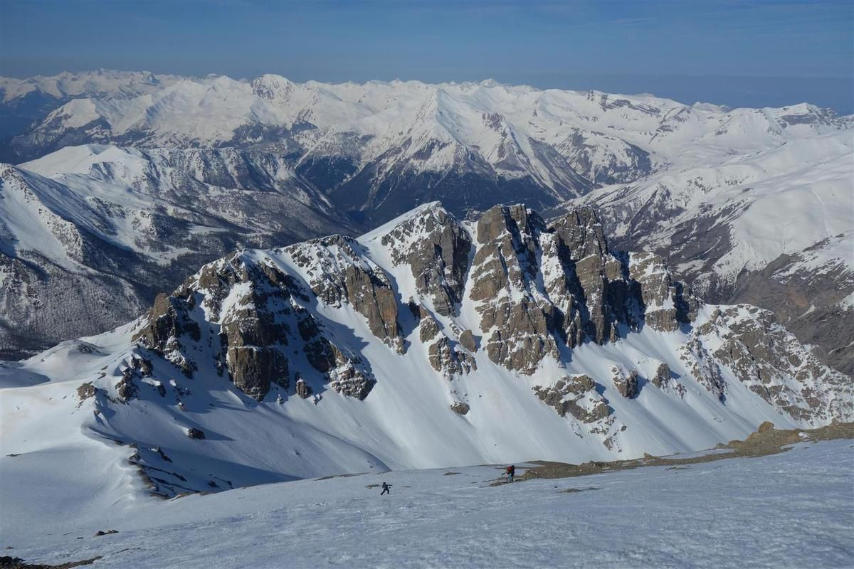 J2 : dans la montée à la pointe de Chauvet, devant la crête de la Souvagéa