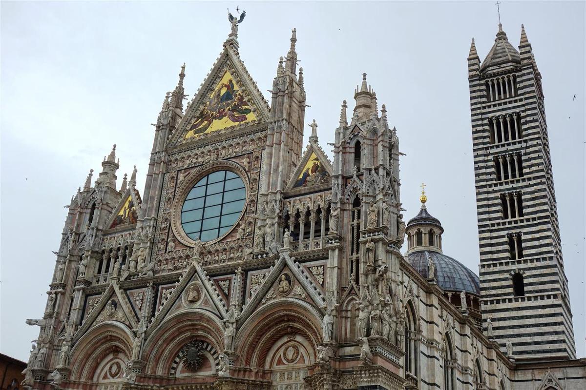 ... et sa cathédrale