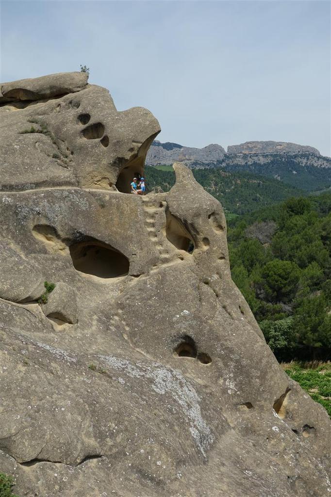 l'architecture unique du rocher de Rocalinaud