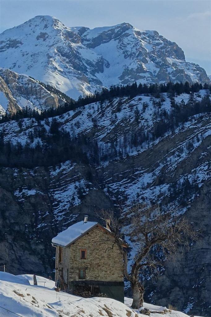 au départ, la petite maison dans l'alpage
