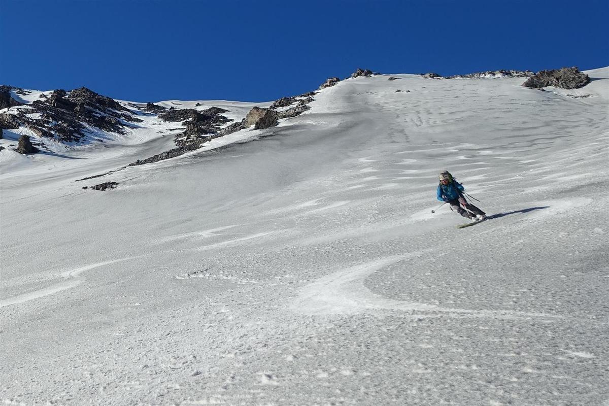 J1 : à la descente, vers la Valle Del Bove