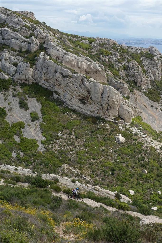descente du fort de Niolon haut sur Niolon