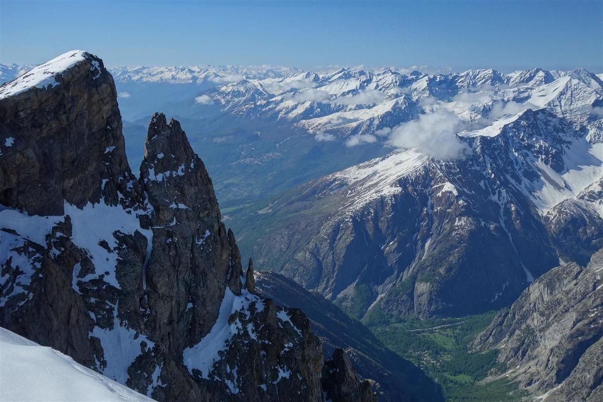 J2 : panorama du sommet du Pic du Rif, du Pelvoux à la Meije