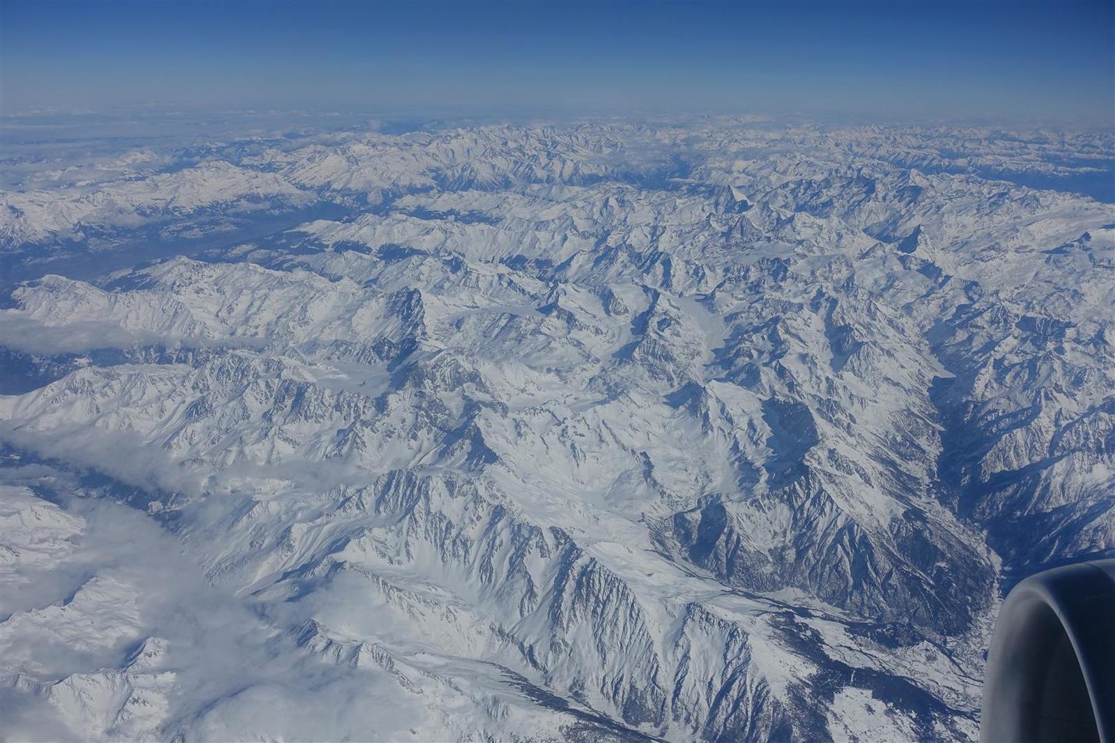 le Valais, Cervin puis Grand Combin au centre-gauche des images
