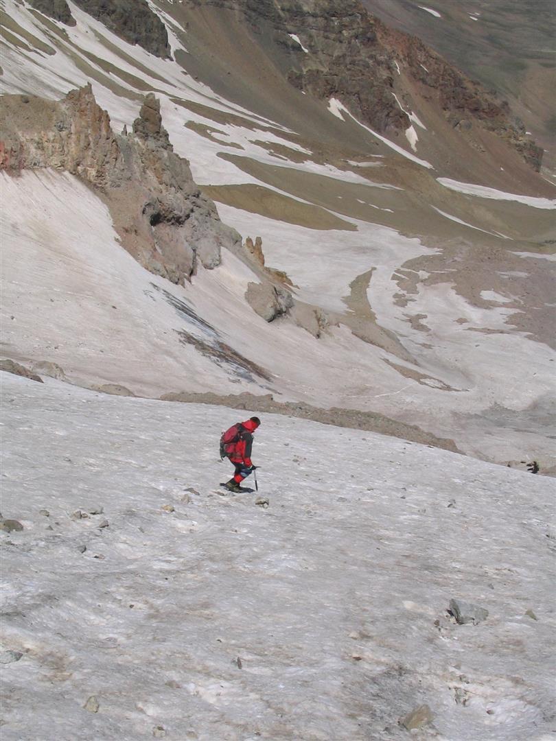 Cyril dans la descente à 3500 m