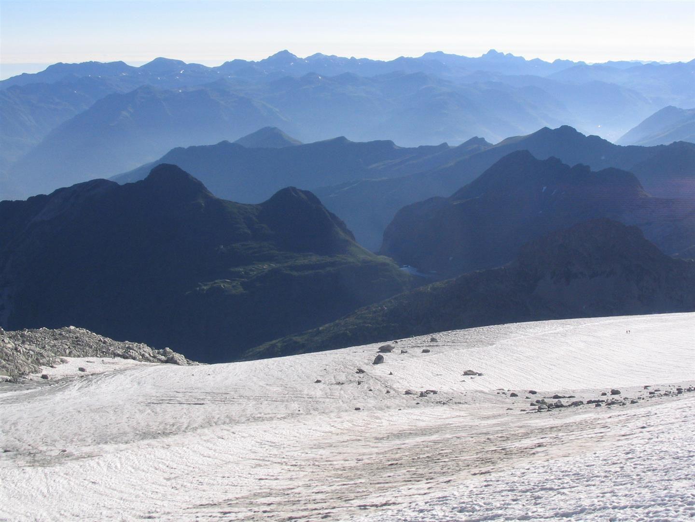 glacier de l'Aneto vu du col Maldito, au passage de la rimaye sous la face nord du Pic Maudit