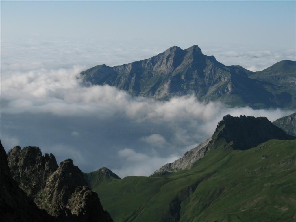 la mer de nuages au nord, vue du col de Suzon