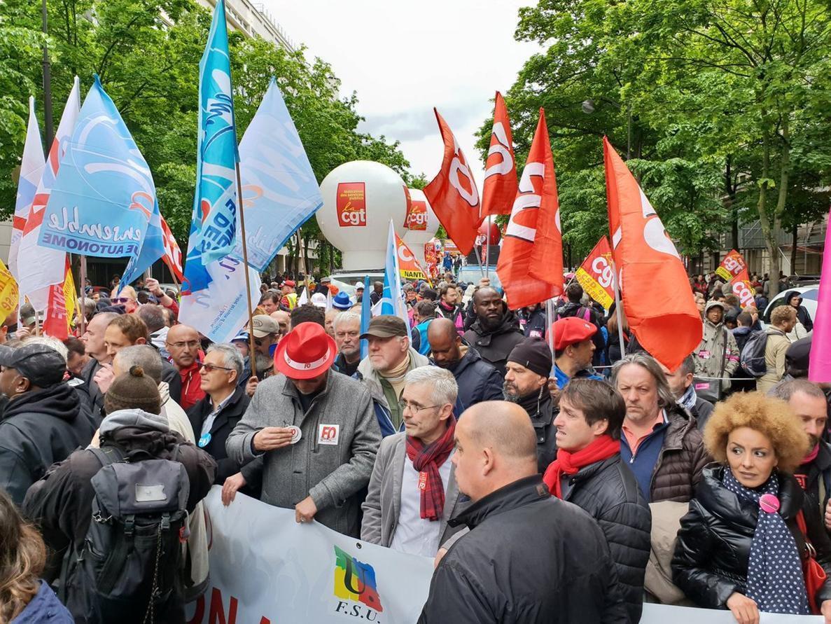 Les luttes dans la fonction publique, largement soutenues, peuvent faire dérailler la politique antisociale de Macron