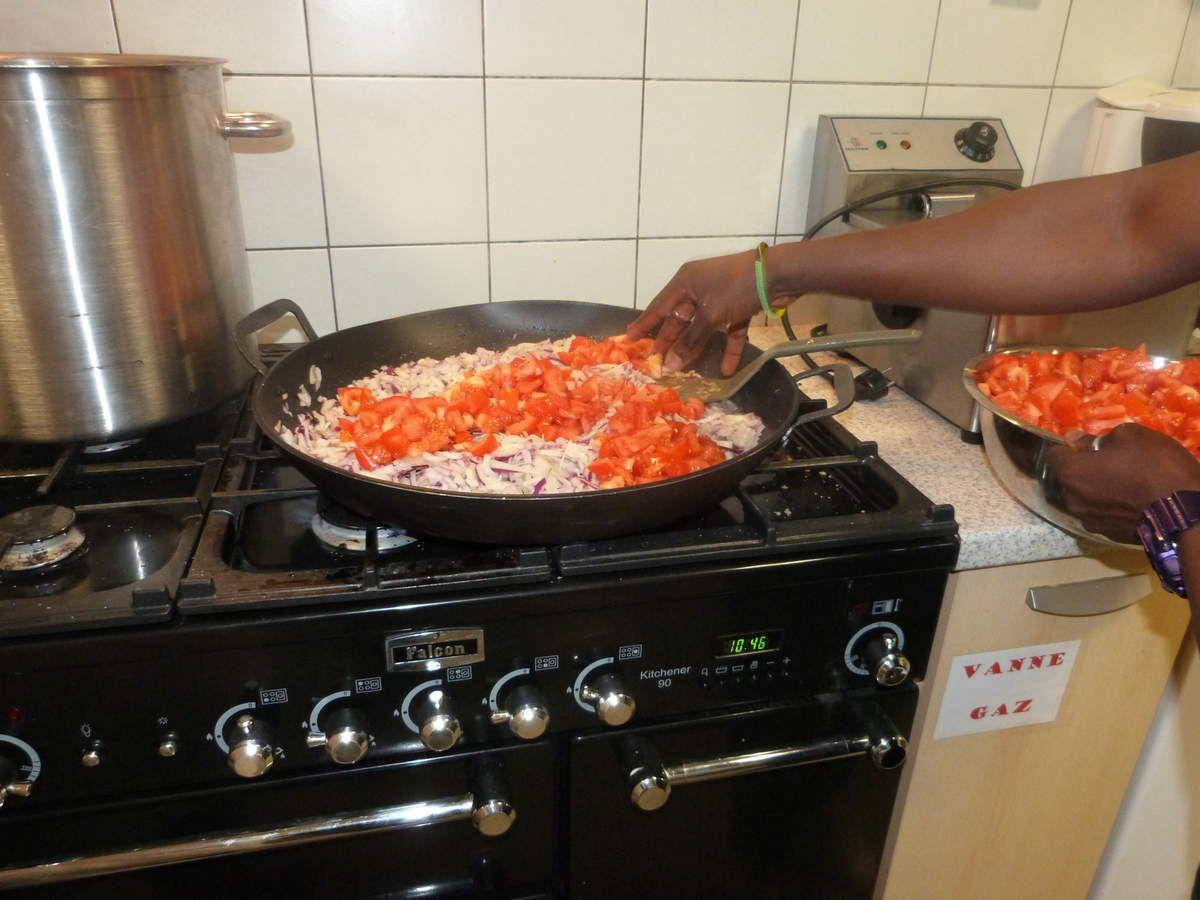 Repas nigerian, octobre 2016 par Adesina, Juste, Rehan, Mohamed, Eloïse, Domi, Vanessa,...