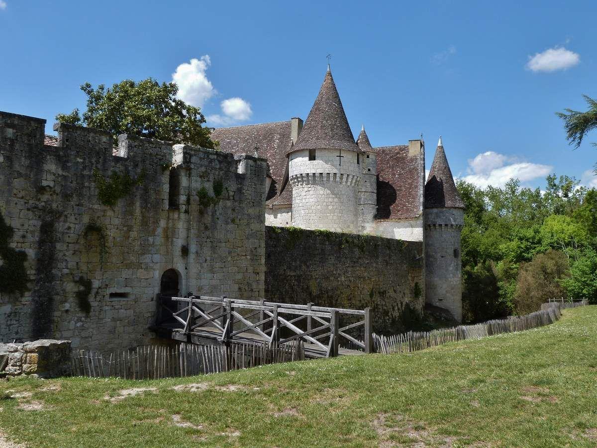 Un des plus beaux châteaux du Bergeracois