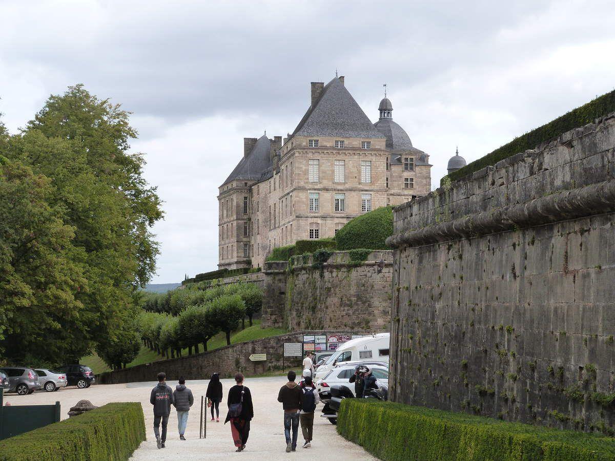 Notre arrivée au château de Hautefort