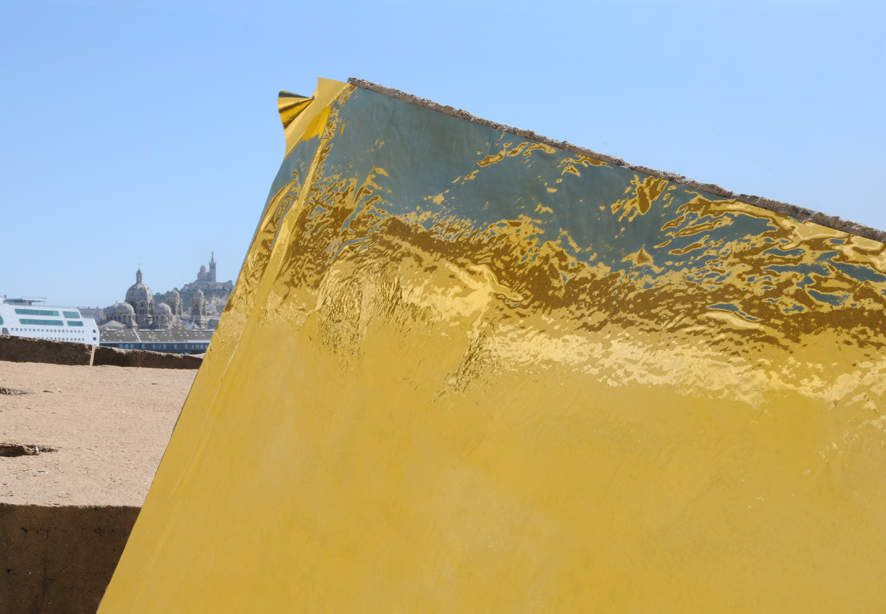 Or d'Afrique [Marseille], une œuvre de Hassan Darsi sur la Digue du large