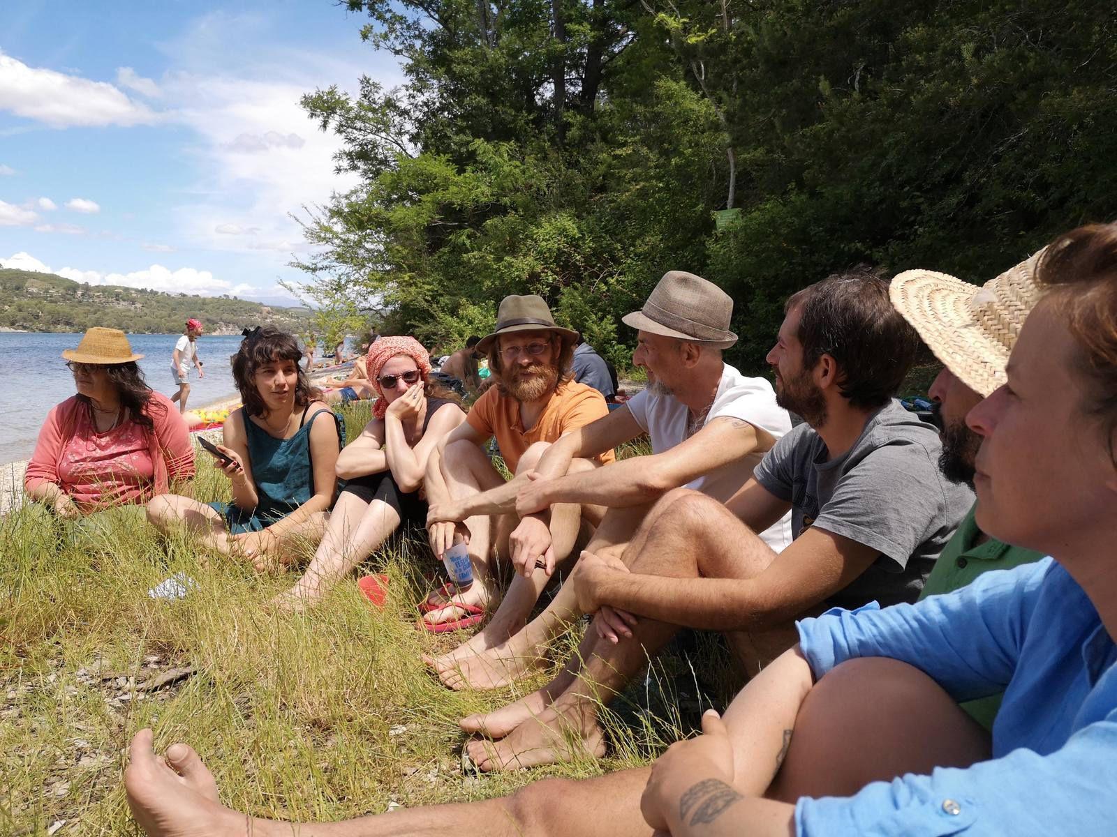 La rentrée de La Grande Famille au lac d'Esparon