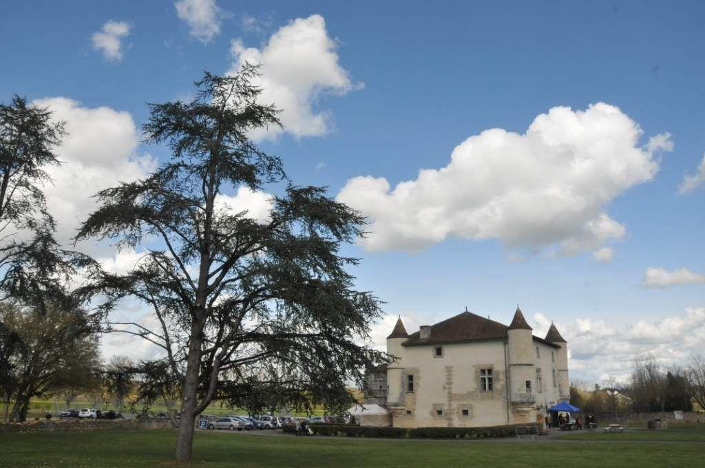 La Rochette : un village, un château, une église