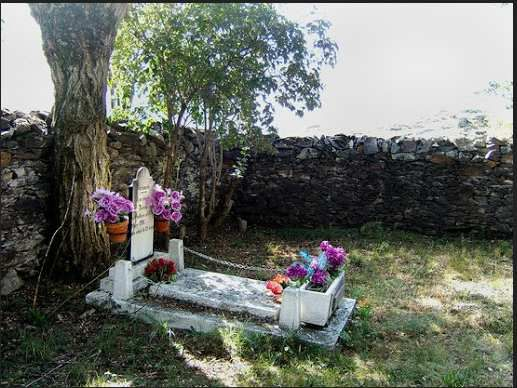 Tombe civile de Teresa
