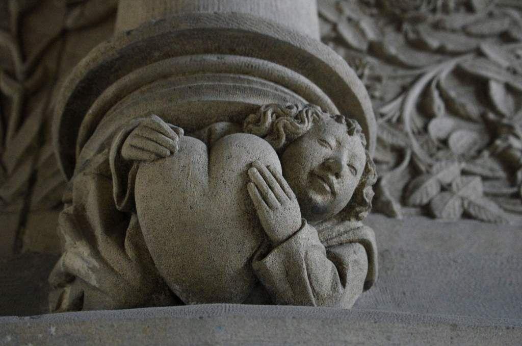 Bourges, palais Jacques Coeur, détail de la cheminée de la salle des Festins