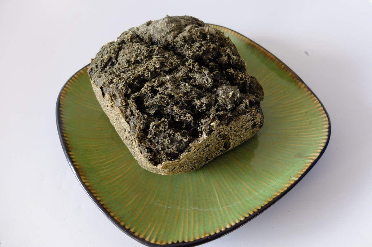 mon premier pain avec des feuilles de tilleul