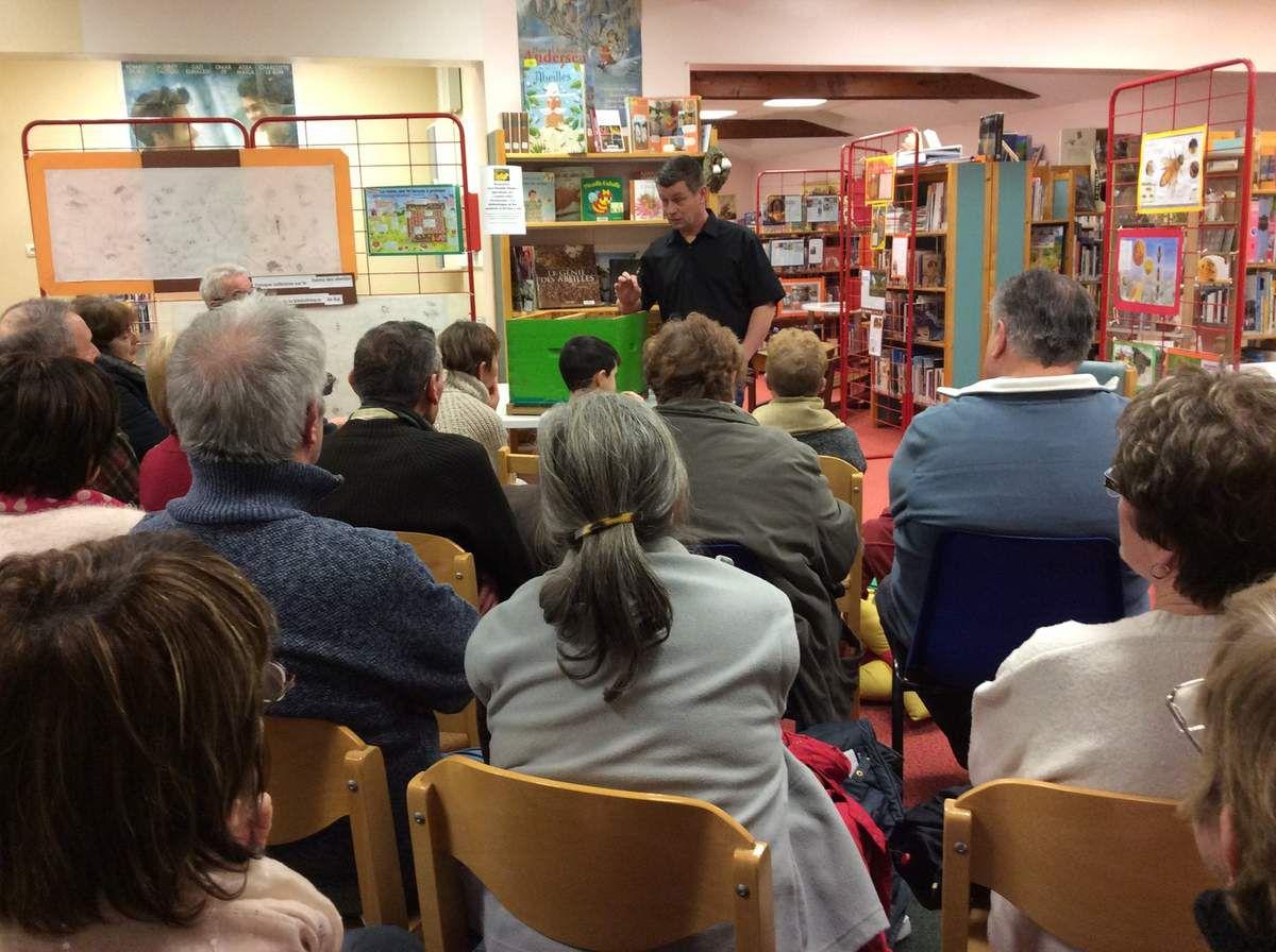 Patrick Cholet : un apiculteur à la bibliothèque
