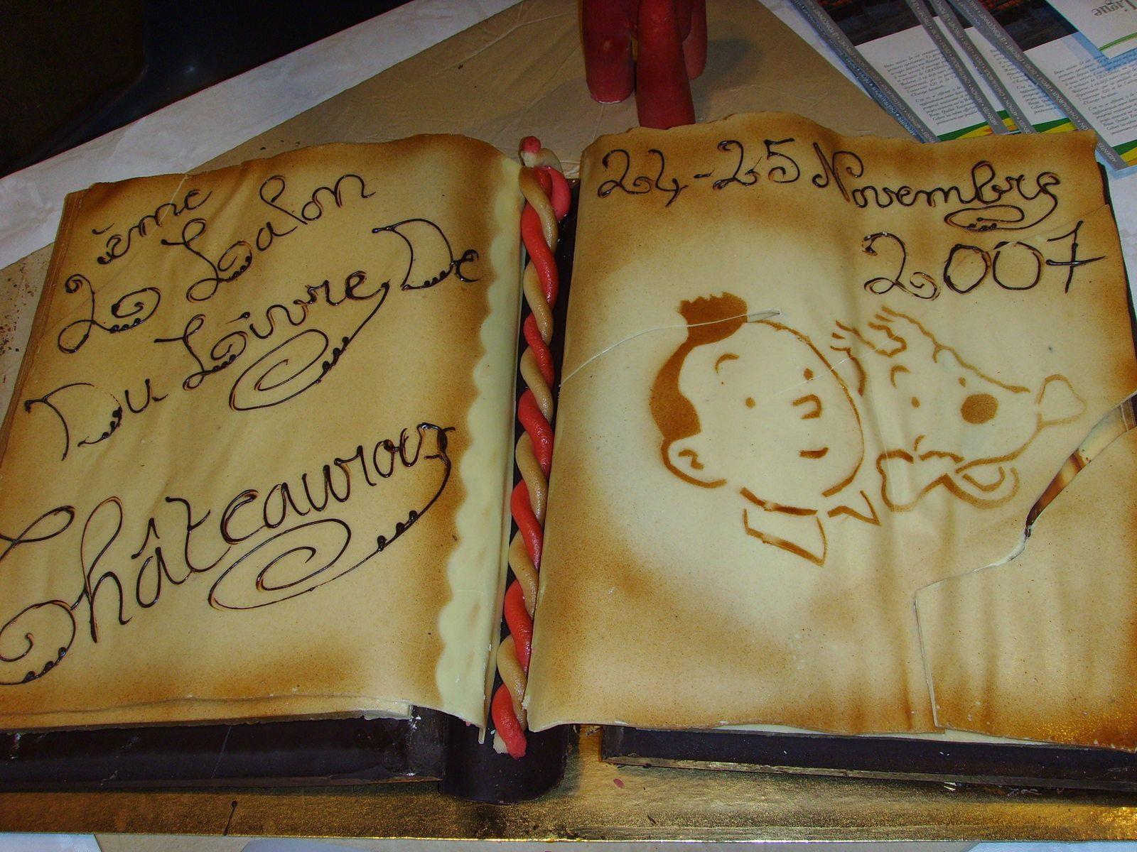 Une belle réalisation des jeunes apprentis pâtissiers du CFA des Métiers pour le Salon du Livre 2007
