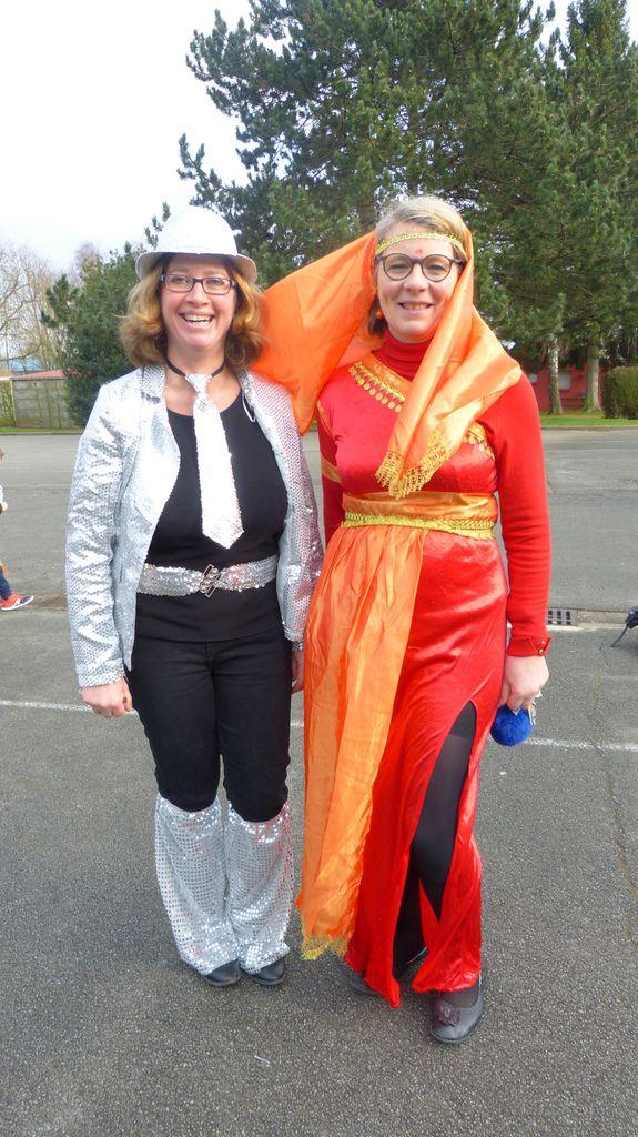 Pendant cette fête, nous avons pensé aussi à Mme Huré et à Mme Ganter qui ont toujours été des ferventes animatrices du carnaval. Revenez nous vite avec des jolis costumes comme vous savez les trouver.