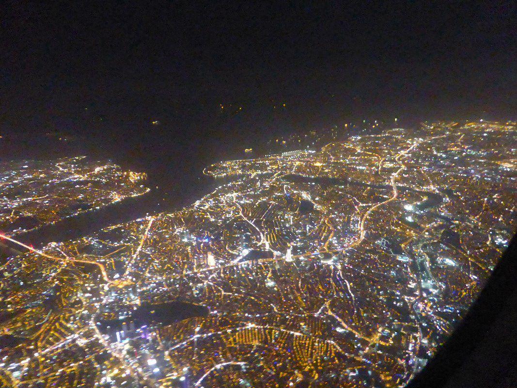 """""""C'est beau une ville, la nuit"""" (Richard Boringer). Ici Istambul..."""