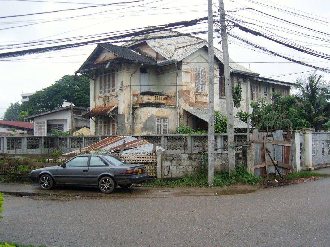 J30 - Vientiane
