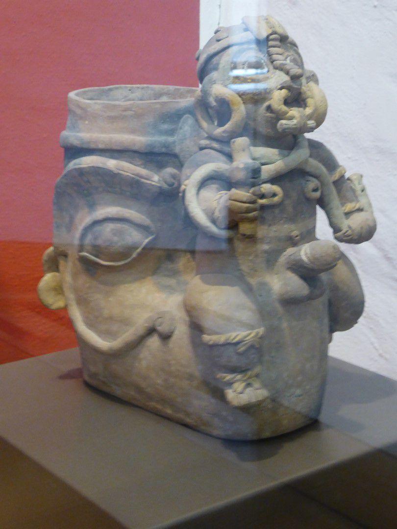 J12 - Quito