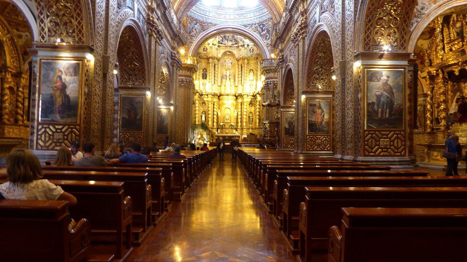 J11 - Quito