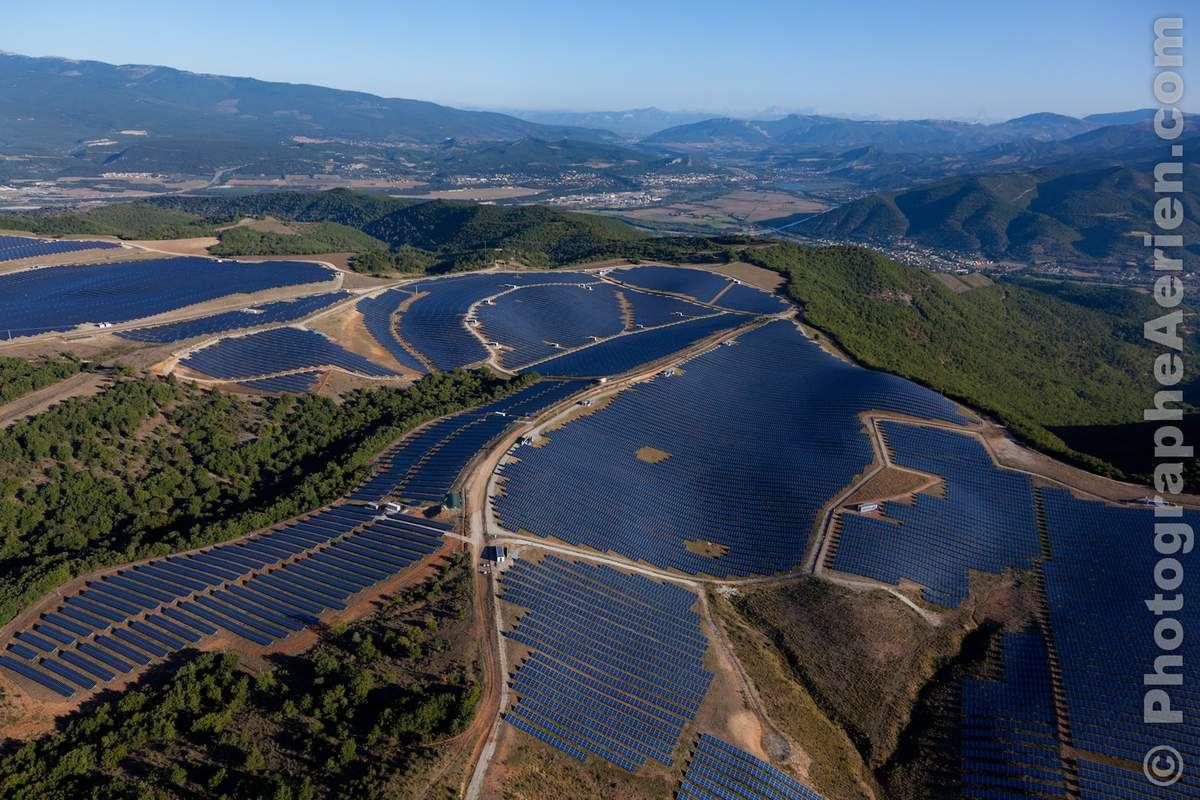 Centrale solaire des Mées (04) . photo Matthieu Colin
