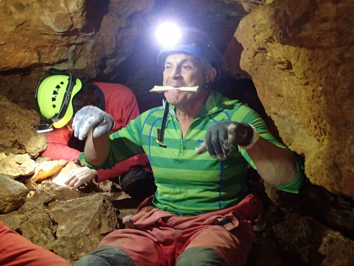 Deux  Garris au stage initiation paléontologie en milieu souterrain. Du 14 au 15 septembre 2019.