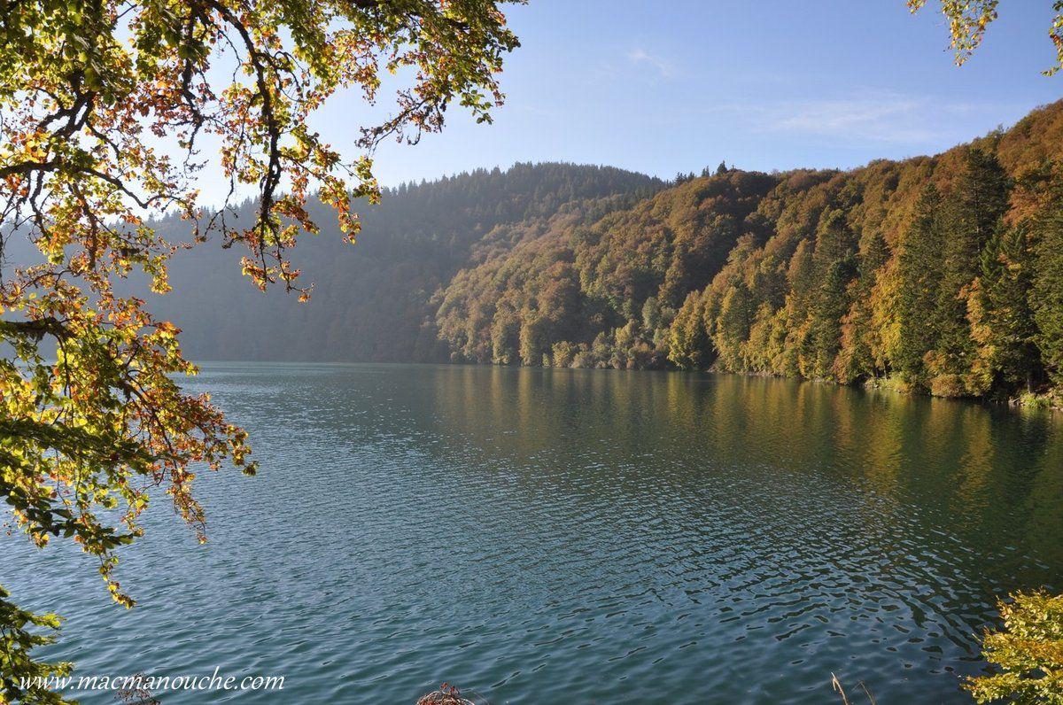 C' est un des lacs auvergnats le plus connu.