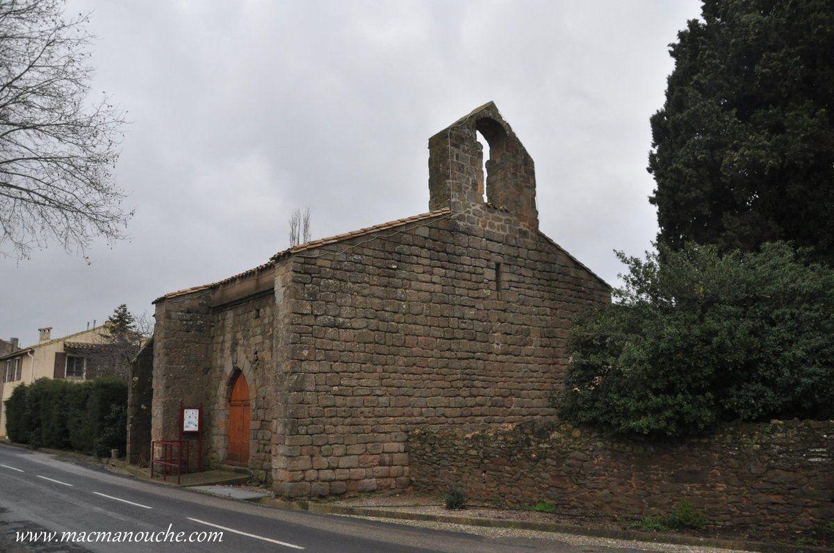 On continue notre promenade jusqu'à la chapelle romane Saint-Michel (Xiè siècle).