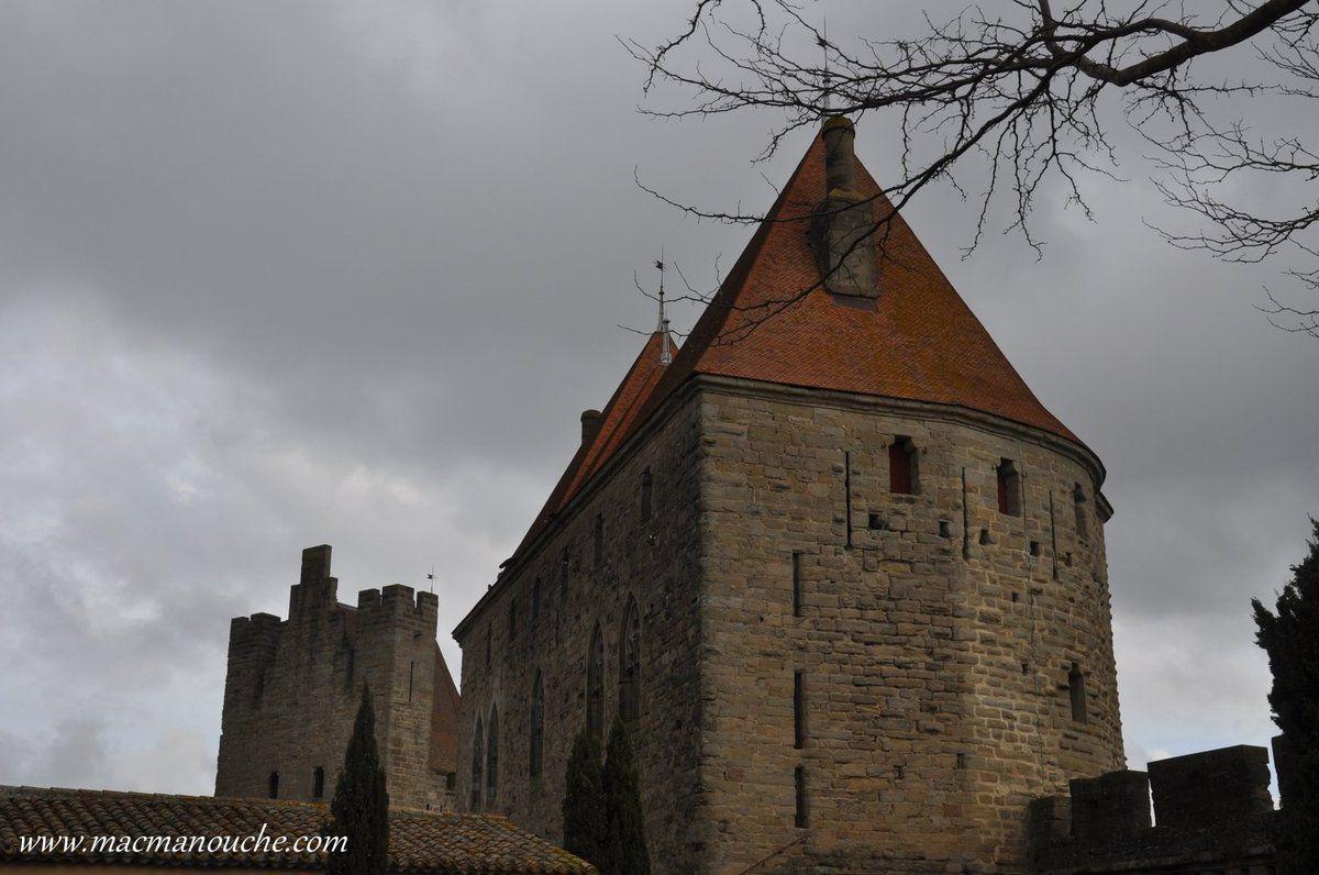 … == > …  et sur cette autre photo, sur la gauche en arrière-plan, la Tour du Tréseau.