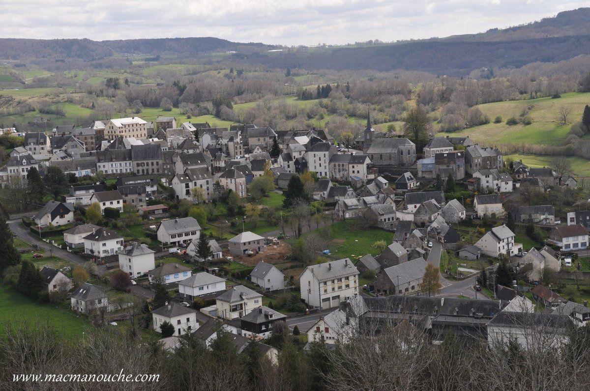 … == > … sur La Tour d'Auvergne … == > …